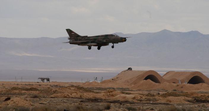 Samolot syryjskich sił powietrznych na lotnisku Tejas 50 km od Palmyry