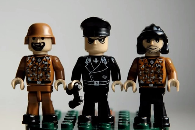 Polskie zabawki – plastikowi naziści.