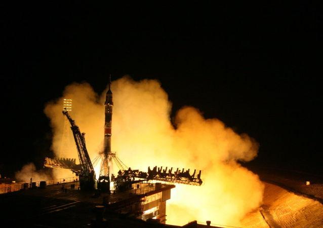 Start rakiety nośnej Sojuz-FG z transportowym załogowym statkiem kosmicznym Sojuz TMA-20M z kosmodromu Bajkonur