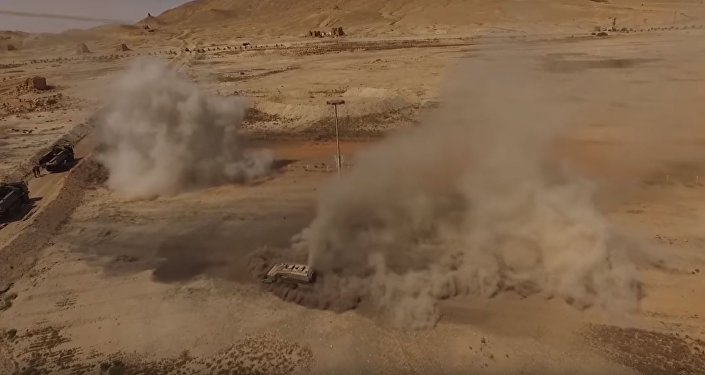 """Wyszukiwanie i niszczenie miń przy pomocy robota """"Uran-6"""" w Palmirze"""