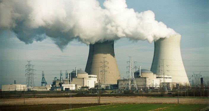 Widok na elektrownię atomową w Belgii