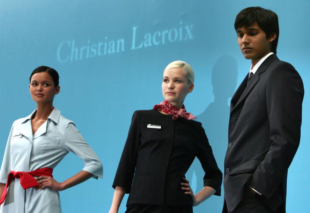 Prezentacja mundurów dla stewardess linii Air France