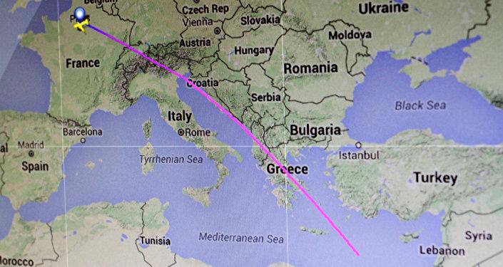 Trasa lotu MS804 linii lotniczej EgyptAir z Paryża do Kairu