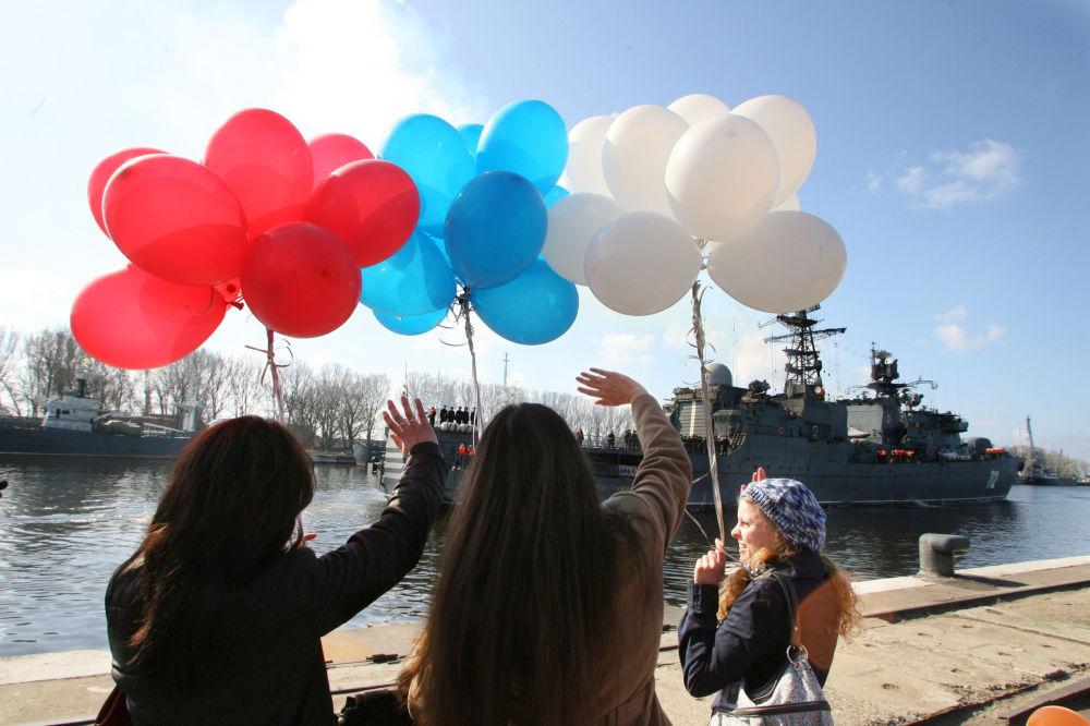 """Rosyjska fregata """"Nieustraszymyj"""" przybywa do Bałtijska"""