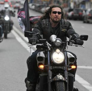"""Lider klubu motocyklistów """"Nocne Wilki Aleksander """"Chirurg"""" Załdostanow"""