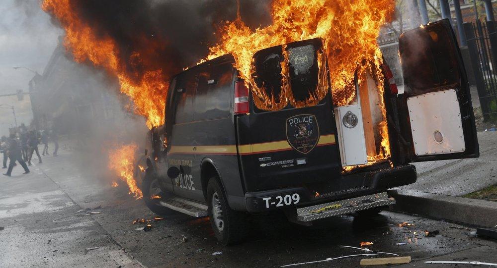 Zamieszki w Baltimore, stan Maryland, 27 kwietnia, 2015
