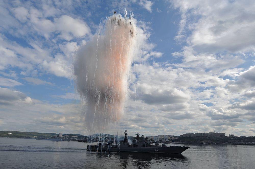 """Do Floty Północnej należy duża jednostka do zwalczania okrętów podwodnych """"Siewieromorsk"""", która w latach 1996 i 1997 została uznana za jedną z najlepszych w swojej klasie. W 2013 roku """"Siewieromorsk"""" reprezentował Rosję w tracie międzynarodowych manewrów morskich w zakresie zwalczania piractwa."""