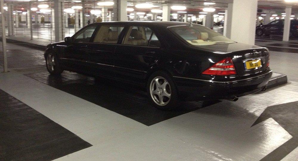 Mercedes Benz S600 Limousine Lang