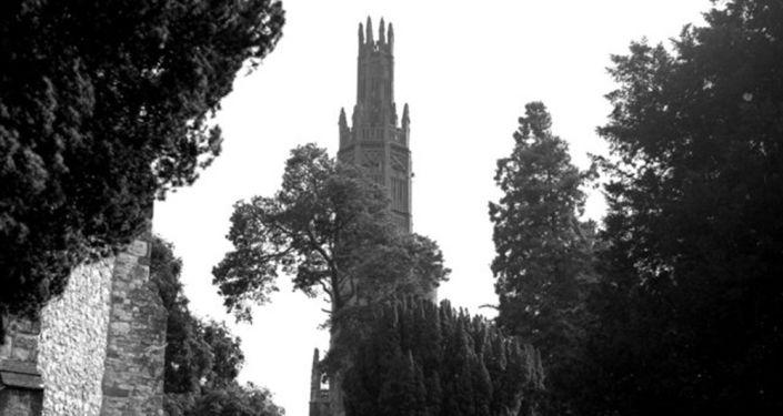 Wieża-więzienie dla niewiernej żony, Wielka Brytania