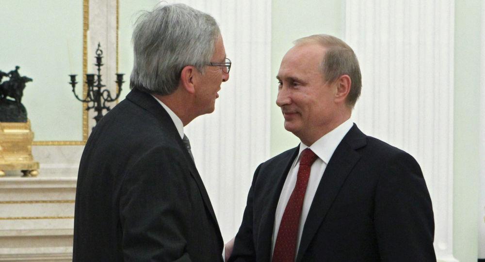 Prezydent Rosji Władimir Putin podczas spotkania na Kremlu z Jean-Claude Junckerem