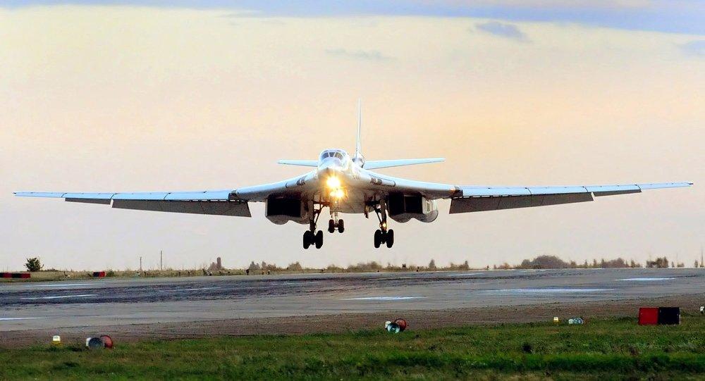 Ponaddźwiękowy bombowiec strategiczny Tu-160