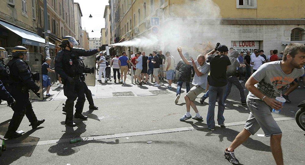 Euro 2016, zamieszki w Marsylii pomiędzy kibicami z Rosji i Anglii