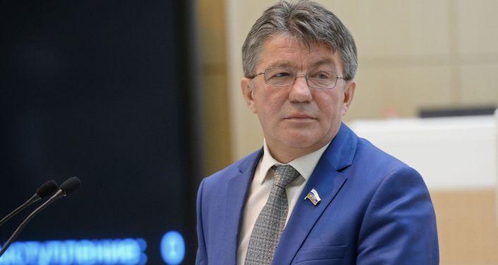 Przewodniczący Komisji ds. Obrony i Bezpieczeństwa Rady Federacji Wiktor Ozierow
