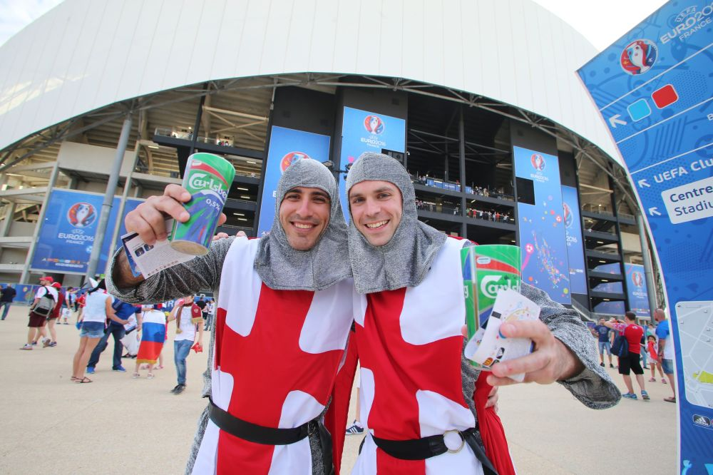 Angielscy kibice przed meczem Anglia - Rosja podczas Euro-2016