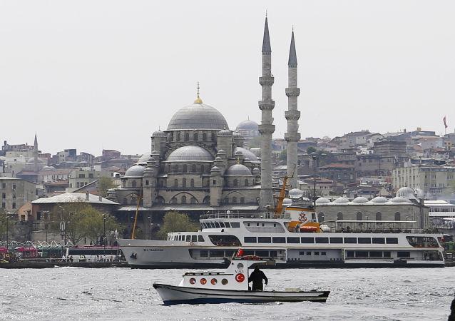 Widok na Nowy Meczet w Stambule