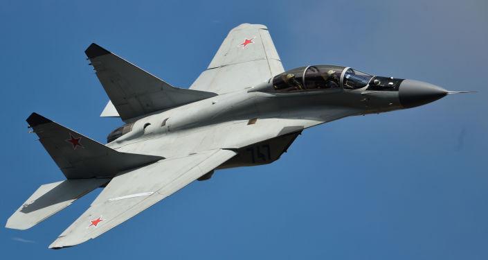 Samolot MiG-35 podczas występu na MAKS 2015 w podmoskiewskim Żukowsku