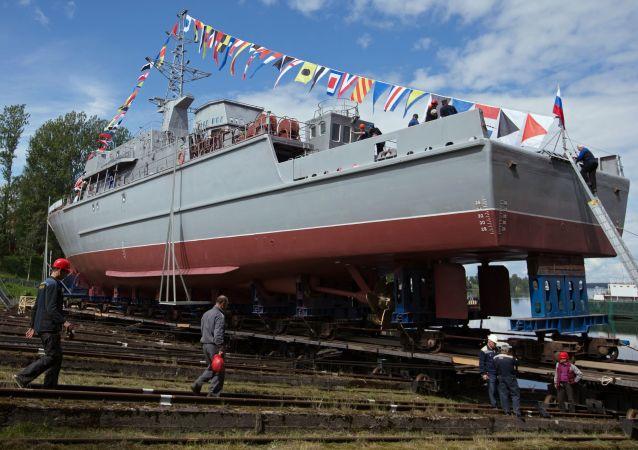 """Wodowanie głównego przeciwminowego okrętu """"Aleksander Obuchow"""" projektu 12700"""