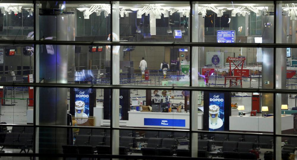 Lotnisko w Stambule po serii zamachów