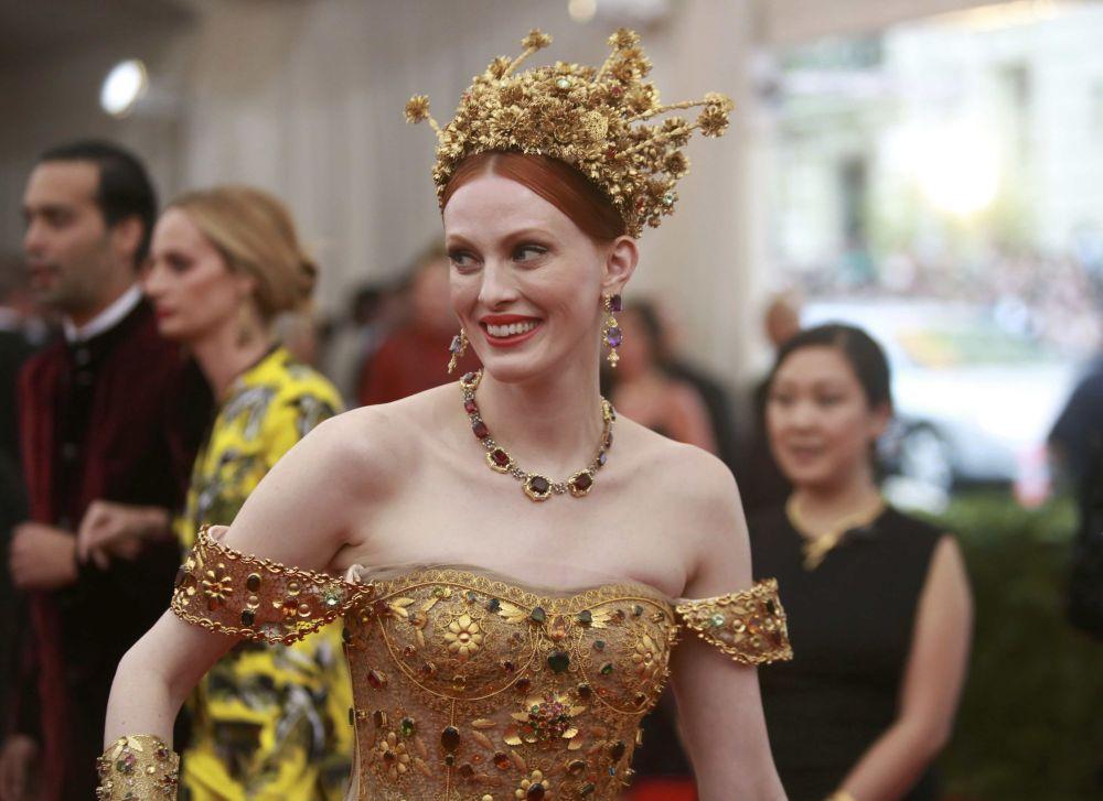 Brytyjska modelka Karen Elson, Met Gala,  Nowy Jork, 4 maja 2015
