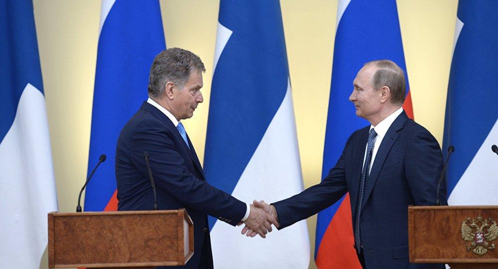 Prezydent Rosji Władimir Putin spotkał się z prezydentem Finlandii Sauli Väinämö Niinistö.