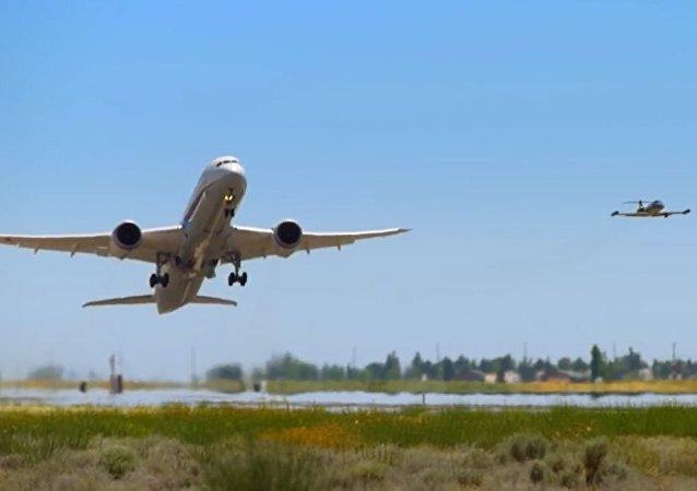 Pionowy wzlot samolotu pasażerskiego: porywające nagranie