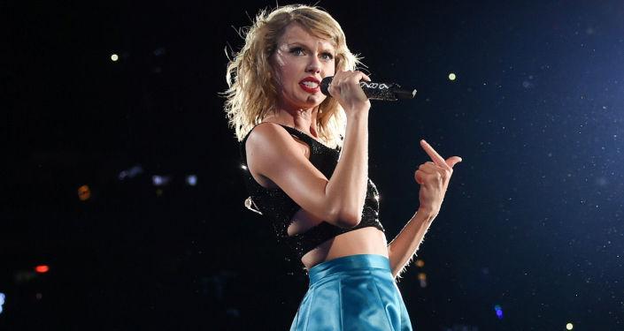 Na pierwszym miejscu znalazła się amerykańska piosenkarka Taylor Swift, która w ubiegłym roku zarobiła 170 mld dolarów – dwa razy więcej niż w poprzedzającym roku.