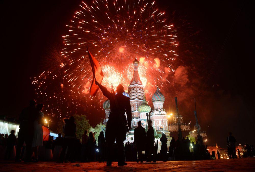 Sztuczne ognie nad Moskwą.