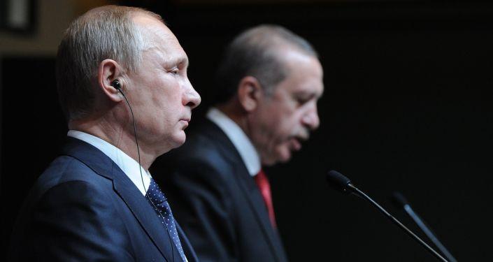 Prezydent Rosji Władimir Putin i prezydent Turcji Recep Tayyip Erdoğan na konferencji prasowej w Ankarze, 1 grudnia 2014 r.