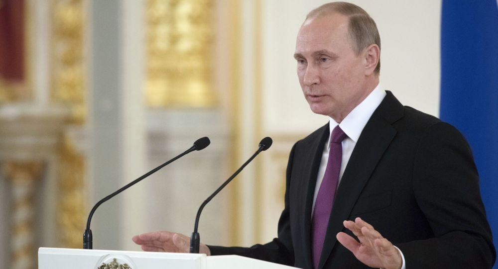 Prezydent Rosji Władimir Putin na spotkaniu na Kremlu z członkami reprezentacji olimpijskiej Rosji