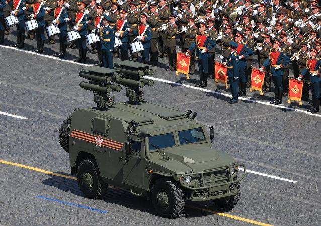 Czołg podczas Defilady na Placu Czerwonym