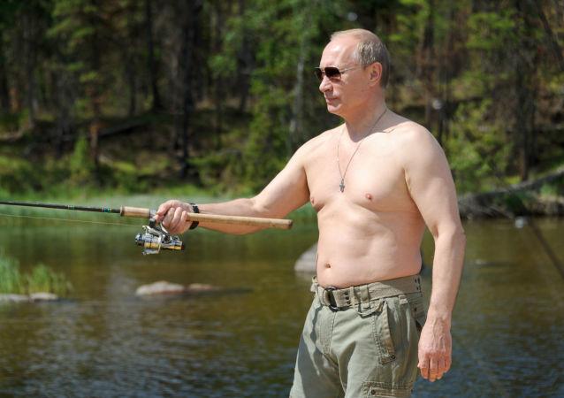 Prezydent Rosji na rybach w Republice Tuwy