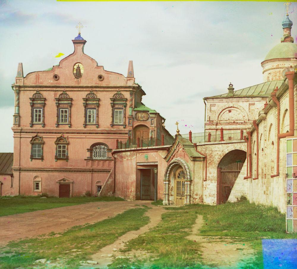 Były pałac wielkich kniaziów, obecnie (1912) dom archijereja w guberni riazańskiej