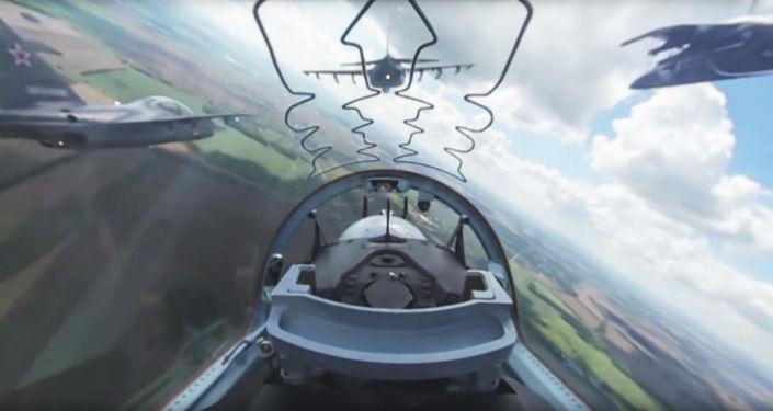 Wideo 360 stopni z kabiny rosyjskiego samolotu Jak-130