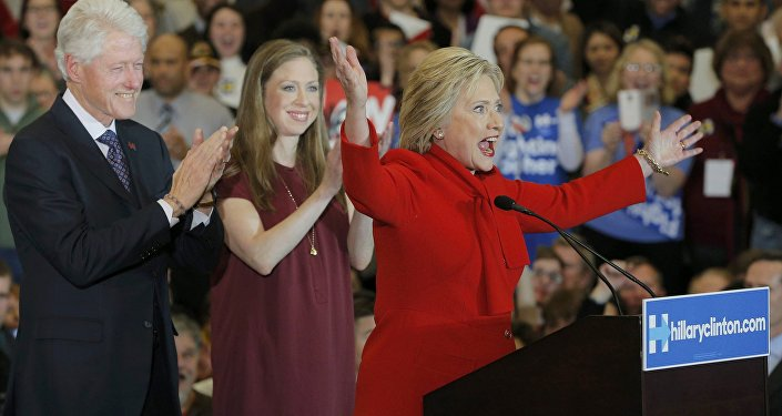 Bill, HIlary i  Chelsea Clinton