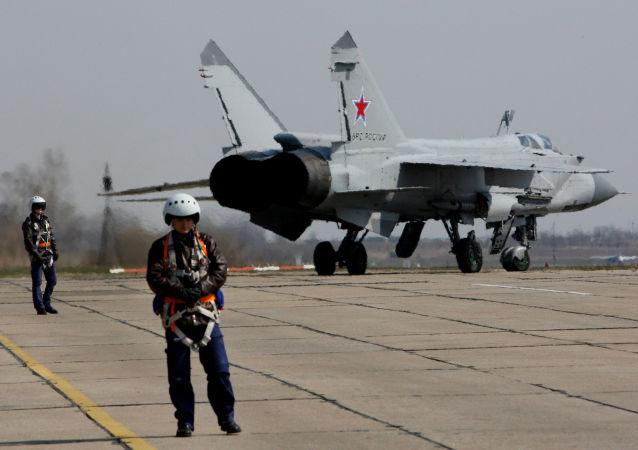 MiG-31 – naddźwiękowy ciężki myśliwiec przechwytujący, który został pierwszym radzieckim samolotem bojowym czwartej generacji.