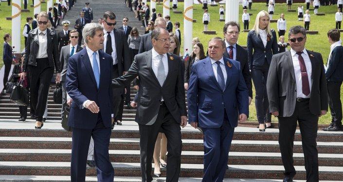Sekretarz stanu USA John Kerry i szef rosyjskiego MSZ Siergiej Ławrow