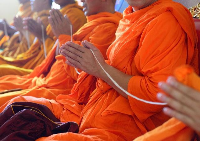 Buddyjscy mnisi