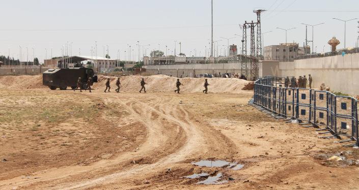 Wojsko na turecko-syryjskiej granicy