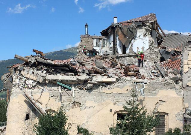 Skutki trzęsienia ziemi we Włoszech