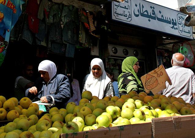 Rynek z owocami w Bejrucie, Liban