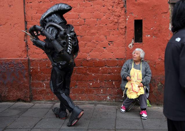 Człowiek przebrany za bohatera filmowego, Lima, Peru