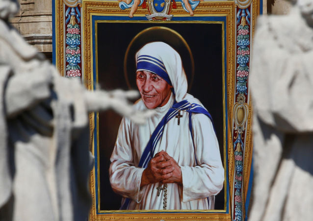 Matka Teresa z Kalkuty została świętą Kościoła katolickiego