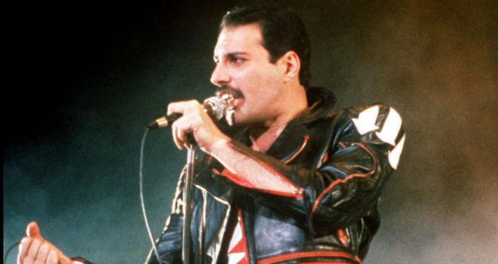 Brytyjski wokalista Freddie Mercury