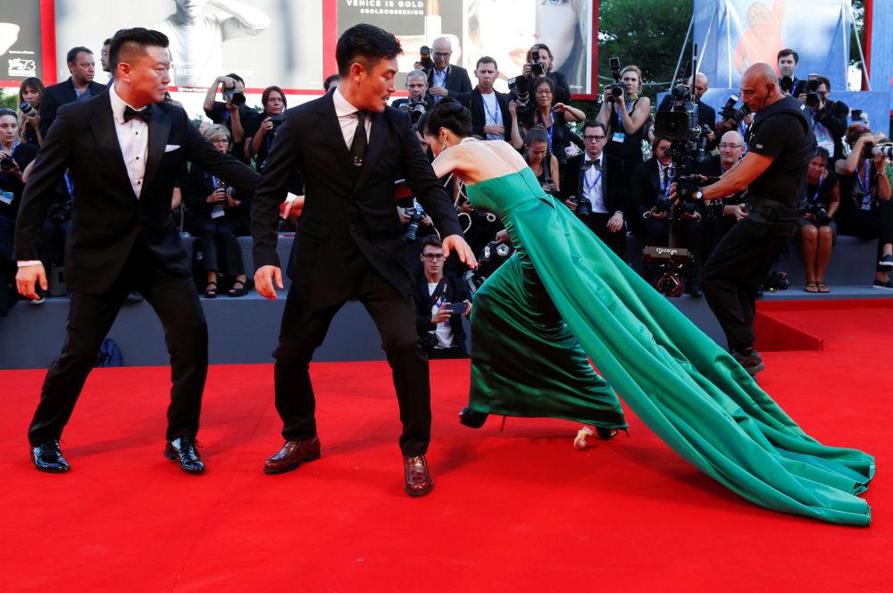 Upadek gości Festiwalu Filmowego w Wenecji