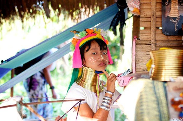 Dziewczyna z plemienia Padaung