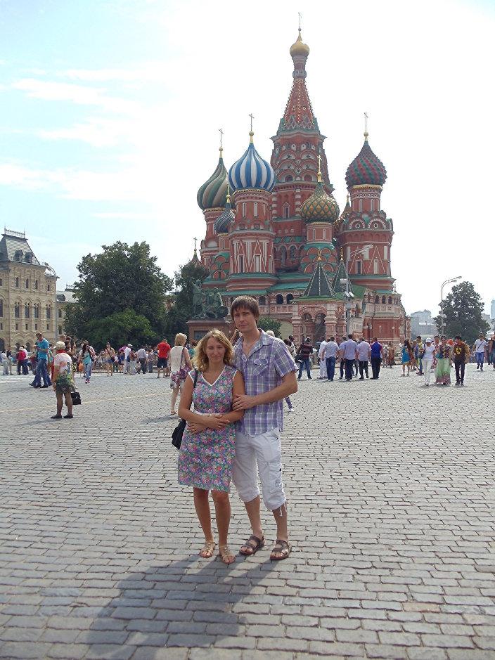 Rosja jest ogromnym i ciekawym krajem, jednak pełnym przeciwności. Gdzie się nie obejrzeć, tam piękne krajobrazy, wspaniałe zabytki, ale przy tym jest sporo zaniedbanych miejsc i niewykorzystanych możliwości.