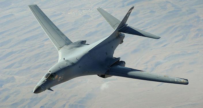 Amerykański strategiczny bombowiec naddźwiękowy В-1 Lancer