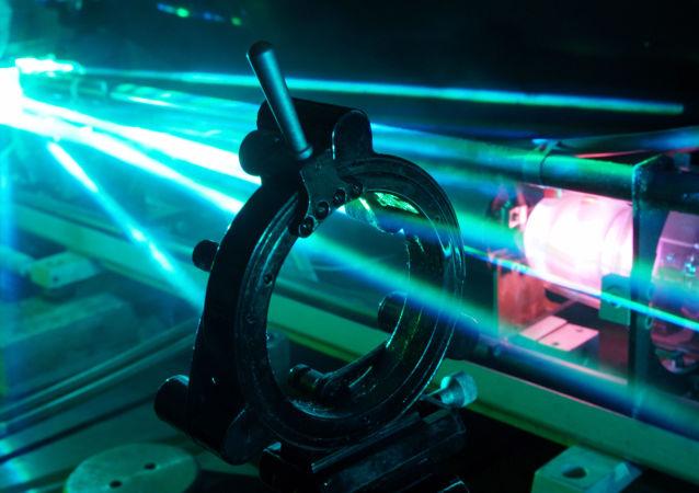 Laboratorium modelowania i automatyzacji systemów laserowych