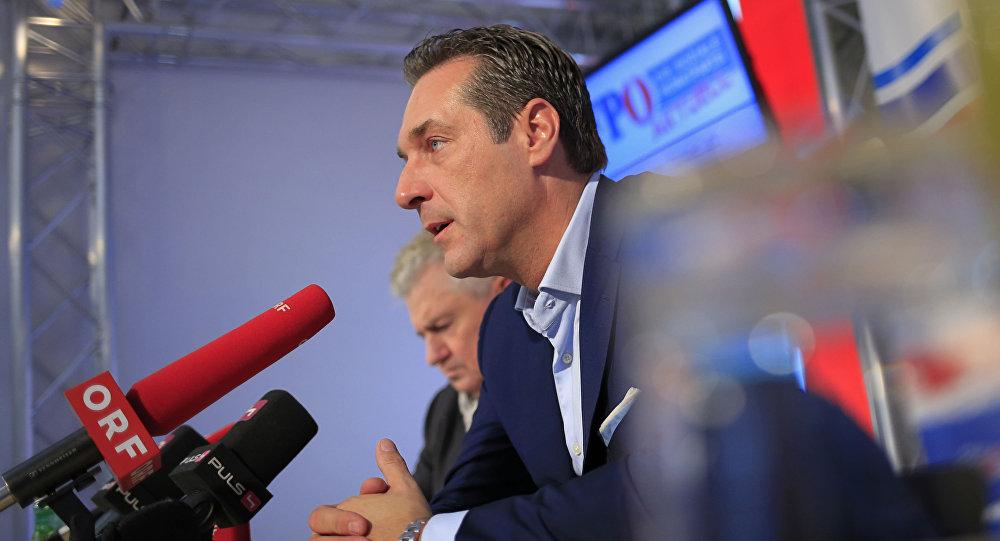 Lider Austriackiej Partii Wolności (FPOe) Heinz Christian Strache