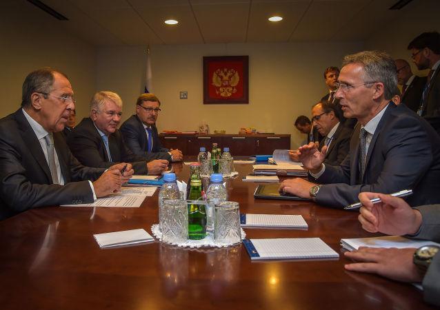 Spotkanie minister spraw zagranicznych Rosji Siergieja Ławrowa i sekretarza generalnego NATO Jensa Stoltenberga w Nowym Jorku